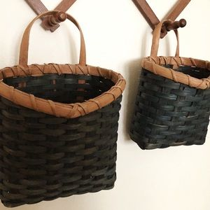 Set of 2 Green Wall Pocket Baskets